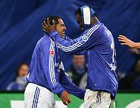 Fotball<br /> Bundesliga Tyskland<br /> Foto: Witters/Digitalsport<br /> NORWAY ONLY<br /> <br /> Jubel 2:1 AILTON, Gerald ASAMOAH mit Verband  FC Schalke 04<br /> Bundesliga FC Schalke 04 - SV Werder Bremen