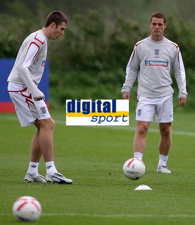 Photo: Paul Thomas.<br /> England Training. 06/10/2006.<br /> <br /> Michael Carrick and Scott Parker.