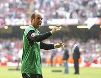 Photo: Chris Ratcliffe.<br />Liverpool v West Ham United. The FA Cup Final. 13/05/2006.<br />Jose Reina of Liverpool celebrates.