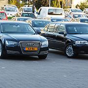 NLD/Dordrecht/20150414 - Leden van de Koninklijke Familie bezoeken het Koningsdagconcert 2015, auto