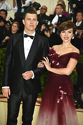 Scarlette Johansson and Colin Jost attend the Costume Institute Benefit at the Metropolitin Museum of Art at the opening of Heavenly Bodies: Fashion and the Catholic Imagination on May 7, 2018 in New York, New York, USA.