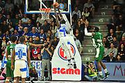 DESCRIZIONE : Campionato 2014/15 Dinamo Banco di Sardegna Sassari - Sidigas Scandone Avellino<br /> GIOCATORE : Rakim Sanders<br /> CATEGORIA : Schiacciata Controcampo<br /> SQUADRA : Dinamo Banco di Sardegna Sassari<br /> EVENTO : LegaBasket Serie A Beko 2014/2015<br /> GARA : Dinamo Banco di Sardegna Sassari - Sidigas Scandone Avellino<br /> DATA : 24/11/2014<br /> SPORT : Pallacanestro <br /> AUTORE : Agenzia Ciamillo-Castoria / M.Turrini<br /> Galleria : LegaBasket Serie A Beko 2014/2015<br /> Fotonotizia : Campionato 2014/15 Dinamo Banco di Sardegna Sassari - Sidigas Scandone Avellino<br /> Predefinita :