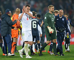 12.06.2010, Sandton - Nelson Mandela Square, Johannesburg, RSA, FIFA WM 2010, 3D television, im Bild John Terry of England leaves the pitch with a dejected Robert Green of England, EXPA Pictures © 2010, PhotoCredit: EXPA/ IPS/ Mark Atkins / SPORTIDA PHOTO AGENCY
