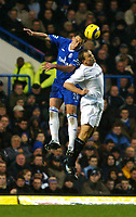 Fotball<br /> England 2004/2005<br /> Foto: SBI/Digitalsport<br /> NORWAY ONLY<br /> <br /> Chelsea v Bolton Wanderers<br /> Barclays Premiership. 20/11/2004<br /> <br /> John Terry and Kevin Davies go up for an aerial ball