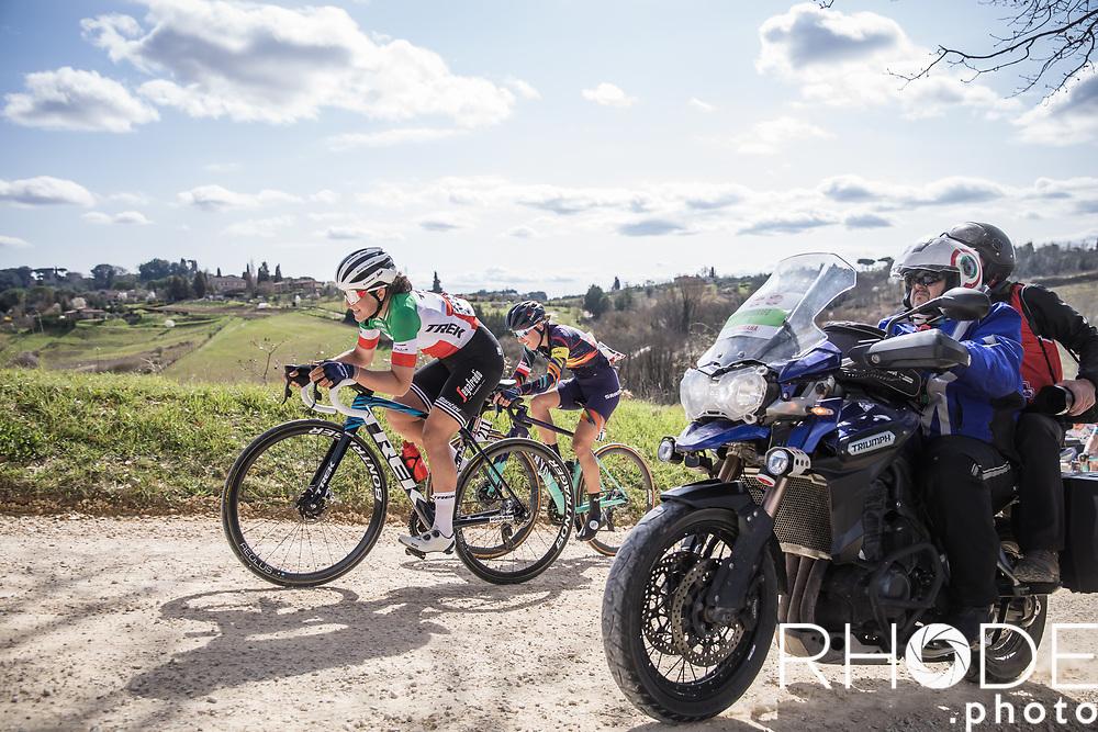 Italian National Champion Elisa Longo Borghini (ITA/Trek Segafredo) on the white gravel roads of Tuscany.<br /> <br /> 7th Strade Bianche Women Elite <br /> Siena > Siena 136km<br /> <br /> ©RhodePhoto