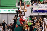 DESCRIZIONE : Siena Lega A 2013-14 Montepaschi Siena vs EA7 Emporio Armani Milano playoff Finale gara 6<br /> GIOCATORE : David Moss<br /> CATEGORIA : Tiro Controcampo<br /> SQUADRA : EA7 Emporio Armani Milano<br /> EVENTO : Finale gara 6 playoff<br /> GARA : Montepaschi Siena vs EA7 Emporio Armani Milano playoff Finale gara 6<br /> DATA : 25/06/2014<br /> SPORT : Pallacanestro <br /> AUTORE : Agenzia Ciamillo-Castoria/M.Marchi<br /> Galleria : Lega Basket A 2013-2014  <br /> Fotonotizia : Siena Lega A 2013-14 Montepaschi Siena vs EA7 Emporio Armani Milano playoff Finale gara 6 <br /> Predefinita :