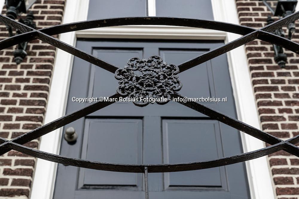 Nederland, rubriek, Heilig Huisje, Toon en Jeanette Steenbakkers wonen in het oude gemeentehuis in Engelen,