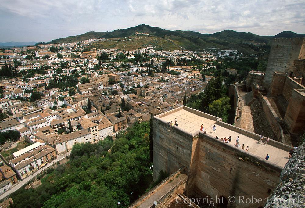 SPAIN, ANDALUSIA, GRANADA Albaicin (old city) below Alhambra