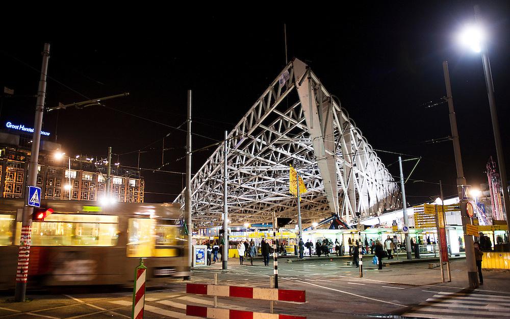 Nederland, Amsterdam, 18 juli 2011.Ton Mensenkamp, glasatelier Tetterode.Foto(c): Michiel Wijnbergh