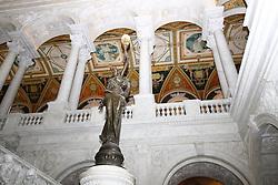 THEMENBILD - Die Eingangshalle im Thomas-Jefferson-Gebaeude der Kongress-Bibliothek ist im italienischen Renaissancestil erbaut. Reisebericht, aufgenommen am 12. Jannuar 2016 in Washington D.C. // The entrance hall in the Thomas Jefferson Building of the Library of Congress is built in Italian Renaissance style. Travelogue, received on 12 Jannuary 2016 in Washington DC. EXPA Pictures © 2016, PhotoCredit: EXPA/ Eibner-Pressefoto/ Hundt<br /> <br /> *****ATTENTION - OUT of GER*****