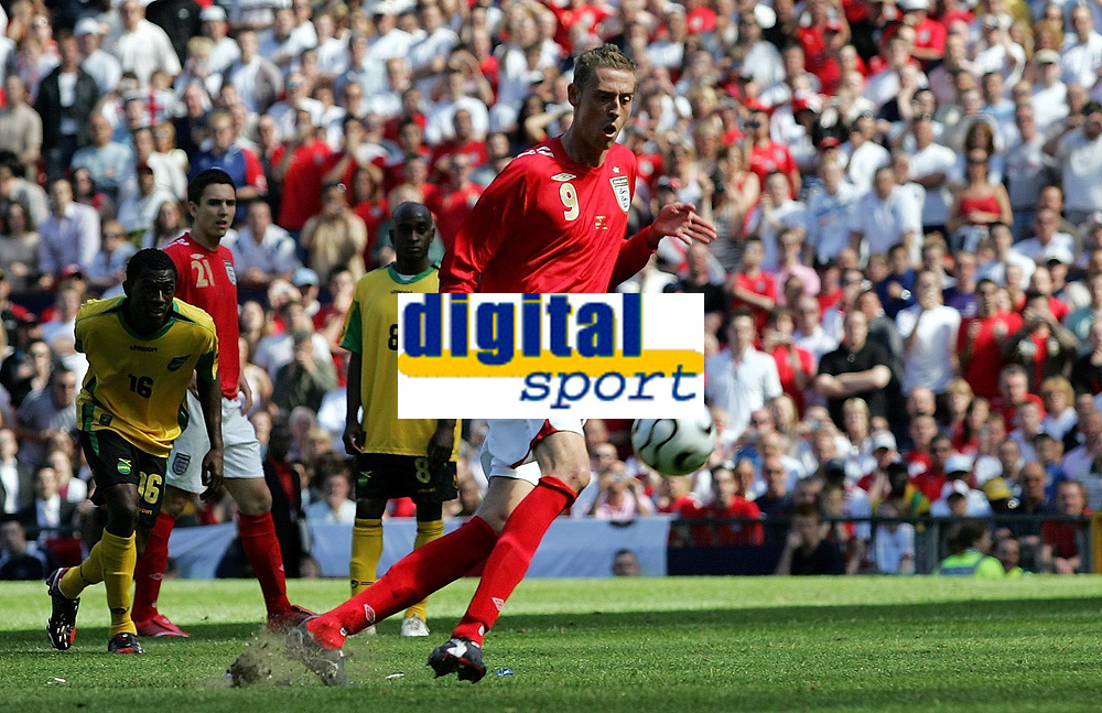 Photo: Paul Thomas.<br /> England v Jamaica. International Friendly. 03/06/2006.<br /> <br /> Peter Crouch puts his penalty spot kick over the bar.