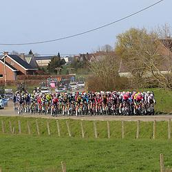 28-03-2021: Wielrennen: Gent-Wevelgem: Wevelgem  <br />Peloton in de Westhoek