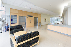 Yale-New Haven Health Park Avenue Medical Center. Architect: Shepley Bulfinch. Contractor: Gilbane Building Company, Glastonbury, CT. James R Anderson Photography, New Haven CT photog.com. Date of Photograph 4 May 2016  Submission 25  © James R Anderson. Main Entrance, first floor