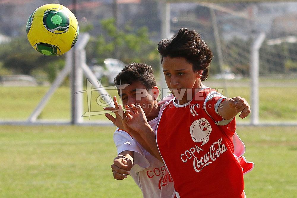Lance da partida entre Maria L. Melo x Recriarte válida pela Copa Coca-Cola 2013 no complexo esportivo Aldo Silva, em Florianópolis. FOTO: Cristiano Estrela/Preview.com