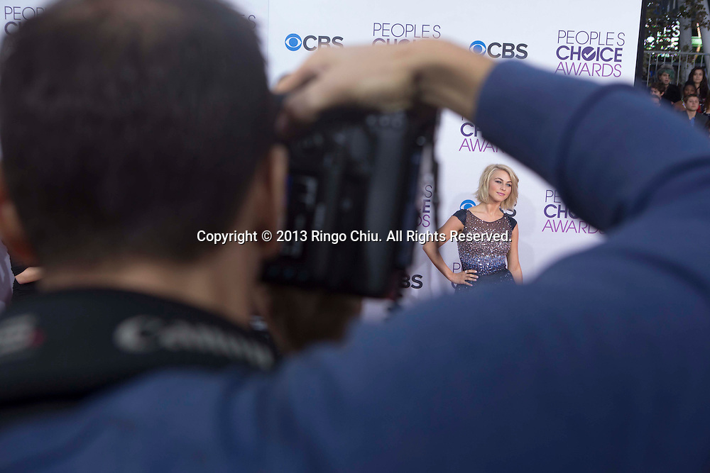 Julianne Hough arrives at the 39th Annual People's Choice Awards at Nokia Theatre L.A. Live on Wednesday January 9, 2013 in Los Angeles, California, United States. (Photo by Ringo Chiu/PHOTOFORMULA.com)
