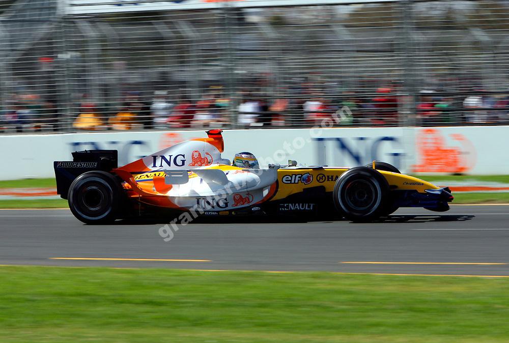 Giancarlo Fisichella (Renault) during Saturday practice for the 2007 Australian Grand Prix in Melbourne. Photo: Grand Prix Photo