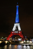 EIFFEL TOWER lights up