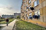 Slowakije, Nitra, 29-4-2013Flats in verouderde woonwijk met woonkazernes .. Foto: Flip Franssen