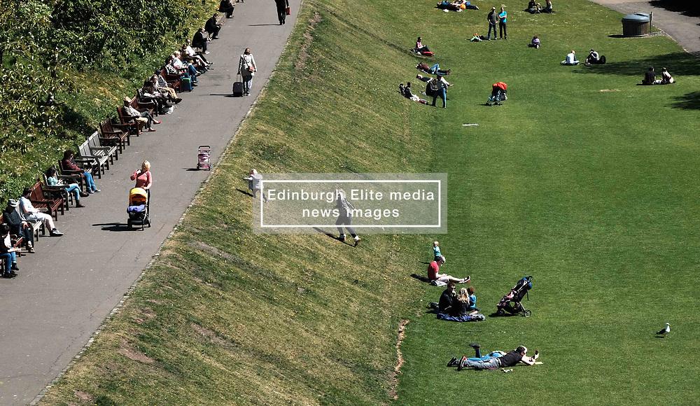 Edinburgh Weather, Wednesday 3rd May 2017<br />  <br /> Tourists and locals enjoy the sunshine in Princes Street Gardens, Edinburgh today<br /> <br /> (c) Alex Todd   Edinburgh Elite media