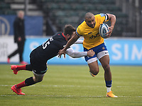 Rugby Union - 2019 / 2020 Gallagher Premiership - Round 22 - Saracens vs Bath - Allianz Park<br /> <br /> Bath Rugby's Jonathan Joseph evades the tackle of Saracens' Elliot Daly.<br /> <br /> COLORSPORT/ASHLEY WESTERN