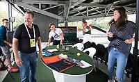 AMSTELVEEN - Opname Studio Shoot van Hockey.nl , bij de Rabo Eurohockey Championships 2017. Met Kim Lammers en Naomi van As. Presentatie Jeroen Mansier.  COPYRIGHT KOEN SUYK