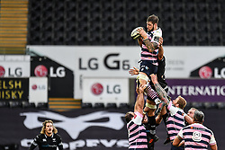 Cardiff Blues' Josh Turnbull claims the lineout<br /> <br /> Photographer Craig Thomas/Replay Images<br /> <br /> Guinness PRO14 Round 13 - Ospreys v Cardiff Blues - Saturday 6th January 2018 - Liberty Stadium - Swansea<br /> <br /> World Copyright © Replay Images . All rights reserved. info@replayimages.co.uk - http://replayimages.co.uk