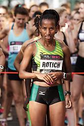 NYRR Oakley Mini 10K for Women: Caroline Rotich, Kenya, Mizuno