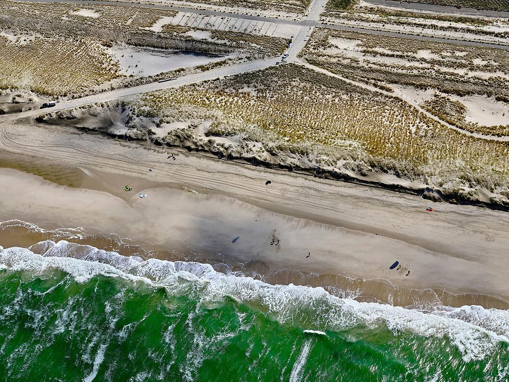 Nederland, Noord-Holland, Bergen, 07-05-2021; Camperduin, voormalige Hondsbossche Zeewering, tegenwoordig  de Hondsbossche Duinen - ontstaan doordat de oorspronkelijke zeewering met zand bedekt is .<br /> Camperduin, former  Hondsbossche Zeewering, nowadays de Hondsbossche Duinen - created because the original seawall was covered with sand.<br /> <br /> luchtfoto (toeslag op standaard tarieven);<br /> aerial photo (additional fee required)<br /> copyright © 2021 foto/photo Siebe Swart