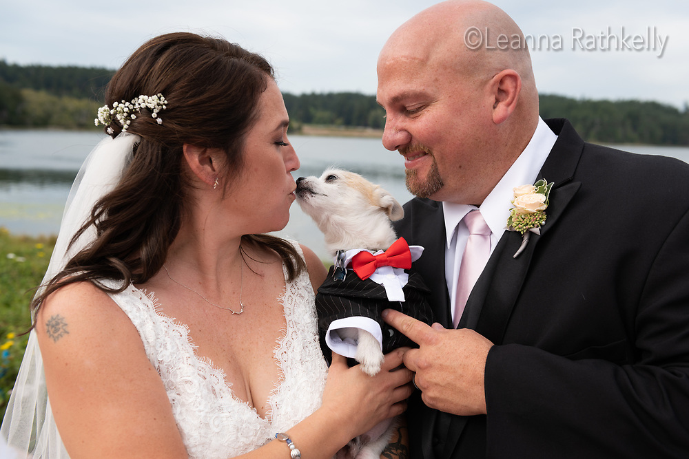 Darci Nelson and Mike Archer are married in Victoria on August 20, 2019