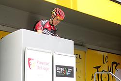 01.07.2012, Luettich, BEL, Tour de France, 1. Etappe Luettich-Seraing, im Bild Lokalmatador GILBERT Philippe (BMC Racing Team) schreibt sich ein // during the Tour de France, Stage 1, Liege-Seraing, Belgium on 2012/07/01. EXPA Pictures © 2012, PhotoCredit: EXPA/ Eibner/ Ben Majerus..***** ATTENTION - OUT OF GER *****