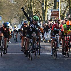 13-03-2016: Wielrennen: Acht van Dwingeloo: Dwingeloo <br />DWINGELOO (NED) wielrennen <br />Leah Kirchman (Can) wint in Dwingeloo voor Christine Majerus (Lux) en Anouska Koster