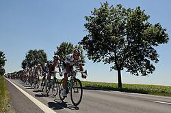 11.07.2010, AUT, 62. Österreich Rundfahrt, 8. Etappe, Podersdorf-Wien, im Bild das Feld vor Schwechat, EXPA Pictures © 2010, PhotoCredit: EXPA/ S. Zangrando / SPORTIDA PHOTO AGENCY