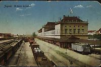 Zagreb : Državni kolodvor. <br /> <br /> ImpresumS. l. : T. M. Z., [1919].<br /> Materijalni opis1 razglednica : tisak ; 9 x 13,8 cm.<br /> Vrstavizualna građa • razglednice<br /> ZbirkaZbirka razglednica • Grafička zbirka NSK<br /> Formatimage/jpeg<br /> PredmetZagreb –– Trg kralja Tomislava<br /> SignaturaRZG-TOM-27<br /> Obuhvat(vremenski)20. stoljeće<br /> NapomenaRazglednica je putovala 1919 godine.<br /> PravaJavno dobro<br /> Identifikatori000953524<br /> NBN.HRNBN: urn:nbn:hr:238:651160 <br /> <br /> Izvor: Digitalne zbirke Nacionalne i sveučilišne knjižnice u Zagrebu