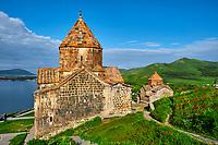 Armenie, region de Gegharkunik, lac Sevan, eglise de Sevanavank // Armenia, Gegharkunik province, Sevan Lake, Sevanavank church
