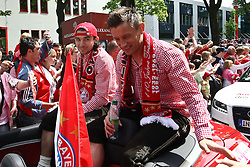 09.05.2010, Marienplatz, Muenchen, GER, 1. FBL, Meisterfeier der Bayern , im Bild Ivica Olic (FC Bayern Nr.11)  , EXPA Pictures © 2010, PhotoCredit: EXPA/ nph/  Straubmeier / SPORTIDA PHOTO AGENCY