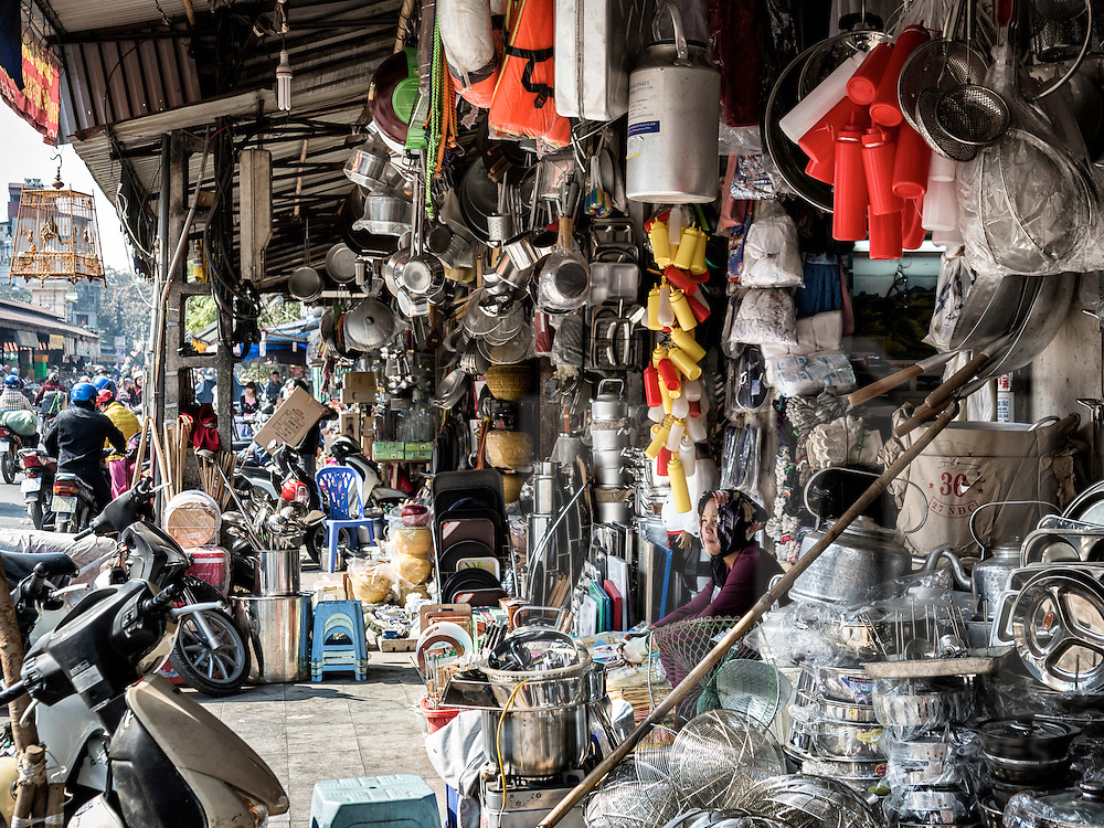 Shops overflowing with kitchenware along Hang Khoai street in Hanoi's Old Quarter, Vietnam, Southeast Asia