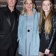 NLD/Laren/20150124 - Modeshow Addy van den Krommenacker Fall Winter 2015 'London revisited', Ferdi Bolland, partner Marion Mulder en dochter