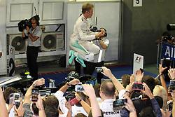 Race winner Nico Rosberg (GER) Mercedes AMG F1 celebrates in parc ferme.<br /> <br />  beim GP von Singapur 2016 in Singapur / 180916<br /> <br /> *** Formula One Grand Prix of Singapore at Marina Bay Street Circuit on September 18, 2016 in Singapore ***
