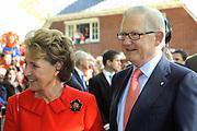 KONINGINNEDAG 2009 in Apeldoorn / Queensday 2009 in the city of Apeldoorn.<br /> <br /> Op de foto / On the Photo: Princes Magriet and Pieter van Vollenhoven