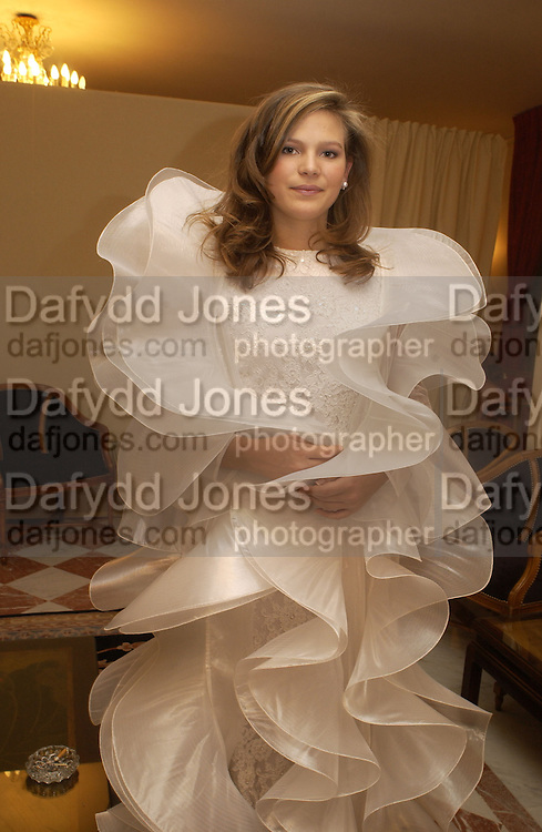 Sibylle de Tavernost. Crillon Debutantes Ball 2002. Paris. 7 December 2002. © Copyright Photograph by Dafydd Jones 66 Stockwell Park Rd. London SW9 0DA Tel 020 7733 0108 www.dafjones.com
