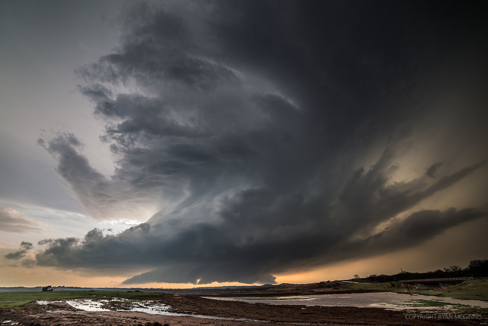 A supercell with a wall cloud just before producing a tornado near Medicine Lodge, Kansas, April 8, 2015.