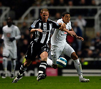 Photo: Jed Wee/Sportsbeat Images.<br /> Newcastle United v Tottenham Hotspur. The FA Barclays Premiership. 22/10/2007.<br /> <br /> Tottenham's Jermaine Jenas (R) tries to keep up with Newcastle's Nicky Butt.