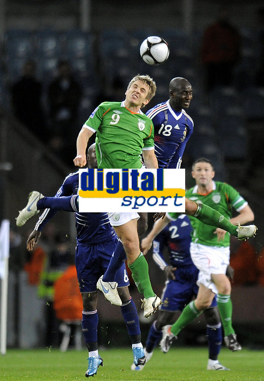 Fotball<br /> Frankrike v Irland<br /> Foto: DPPI/Digitalsport<br /> NORWAY ONLY<br /> <br /> FOOTBALL - FIFA WORLD CUP 2010 - PLAY OFFS - REPUBLIC OF IRELAND v  FRANCE - 14/11/2009 <br /> <br /> KEITH DOYLE (IRE) / ALOU DIARRA (FRA)