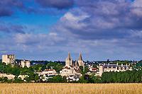 France, Indre-et-Loire (37), Loches, la cité médiévale, le Logis Royal et le chateau, Eglise St-Ours // France, Indre-et-Loire (37), Loches, Royal castle and dwelling, St-Ours church