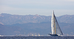 feb the 7th,day before first race 33 ac. BMWORACLE trainning in front of Valencia