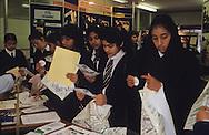 United Kingdom. Birmingham. Already, for a long time, the Islamic   veil public schools (here. Small Heath in Birmingham)-  Birmingham  UnitedKingdom     /  Depuis longtemps, le voile islamique et  la tenue traditionnelle sont autorisés dans les écoles publiques (ici small Heath school à Birmingham)  Birmingham  Grande Bretagne