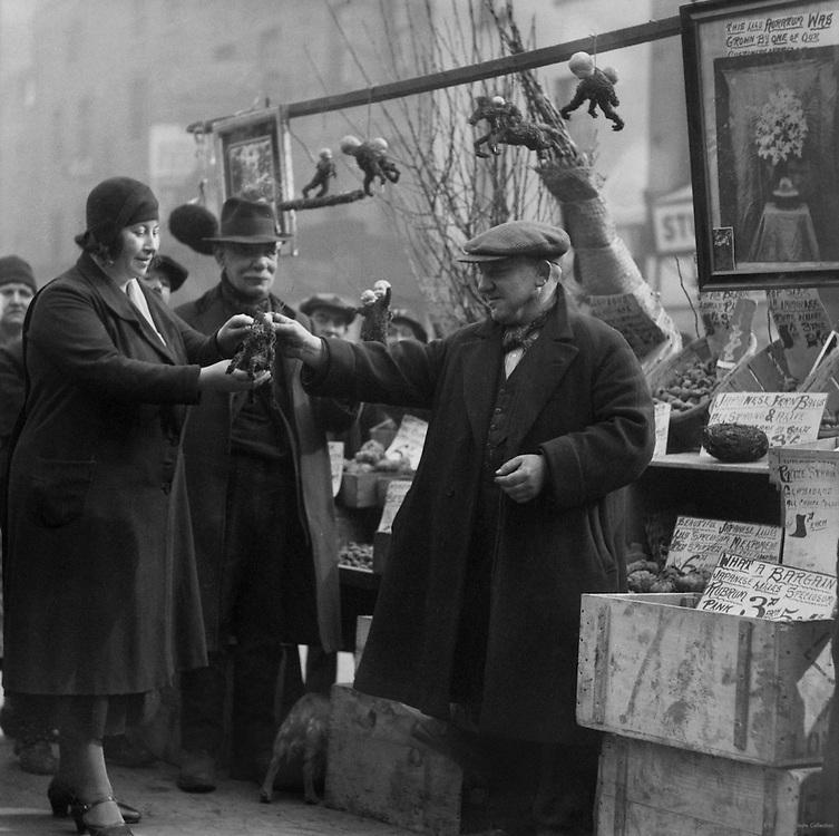 Old Joe's Bulb Stall, New Cut and Lower Marsh, London, England, 1932