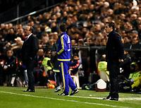 Valencia's coach Gary Neville and Real Madrid's coach Rafa Benitez during La Liga match. January 3, 2016. (ALTERPHOTOS/Javier Comos)