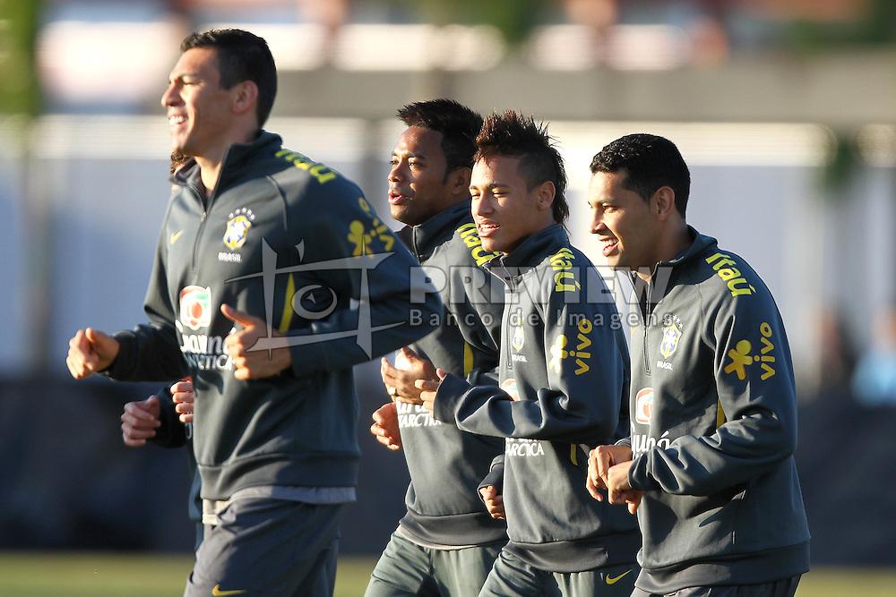 Os jogadores da Seleção Brasileira de Futebol, Lucio, Robinho, Neymar e Lucas durante treino no C T do Corinthians, em São Paulo. FOTO: Jefferson Bernardes/Preview.com