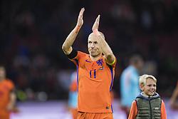 """October 10, 2017 - Amsterdam, NEDERLÃ""""NDERNA - 171010 Hollands Arjen Robben tackar publiken under VM-kvalmatchen i fotboll mellan Holland och Sverige den 10 oktober 2017 i Amsterdam  (Credit Image: © Joel Marklund/Bildbyran via ZUMA Wire)"""